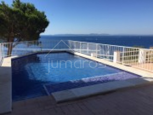 Appartement avec vue mer et piscine
