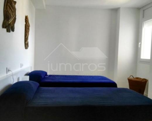 Dernier étage de 2 chambres et grande terrasse + piscine en résidence à Santa Margarida