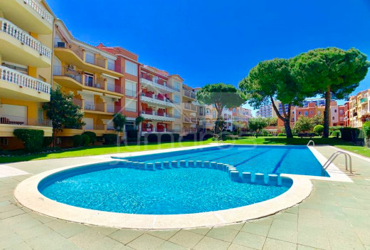 70m2, 2 chambres, moderne avec piscine communautaire