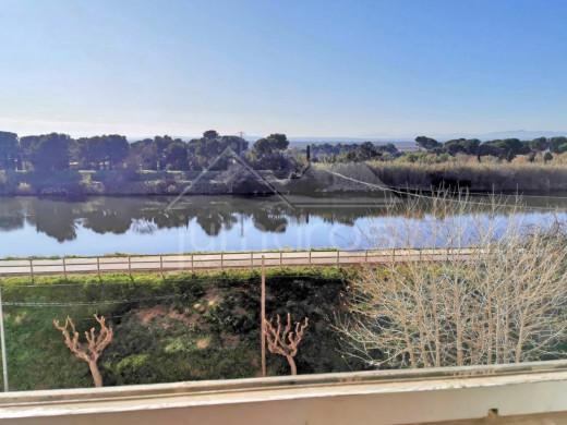 Studio avec vue sur la rivière Muga