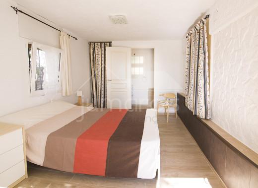 VILLA 6 chambres, vues sur la baie de Roses, Parking