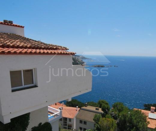 Superbe villa avec vue sur la plage de Canyelles