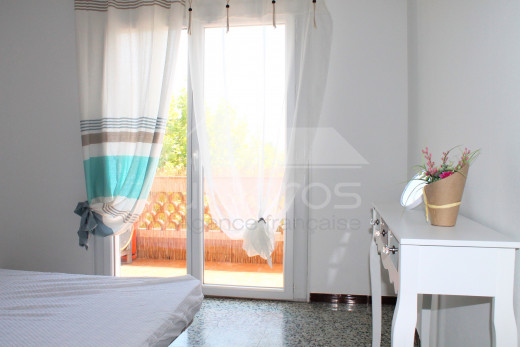 Appartement 2 chambres avec grande terrasse à 5mn de la plage