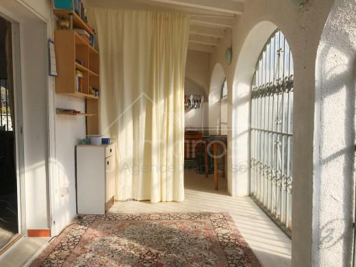 Maison de plain pied avec 2 chambres et garage
