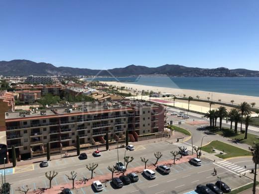 Appartement très proche de la plage, vues mer et montagne