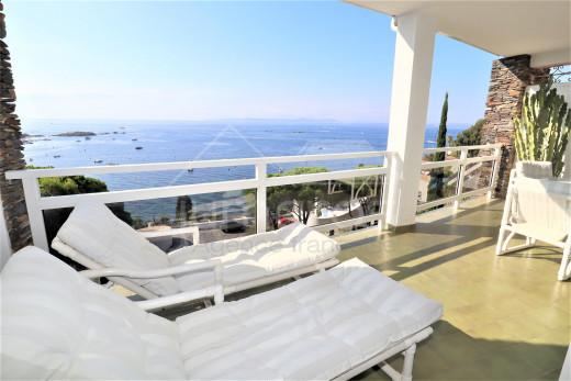 Appartement avec terrasse de 20m2 et magnifique vue mer
