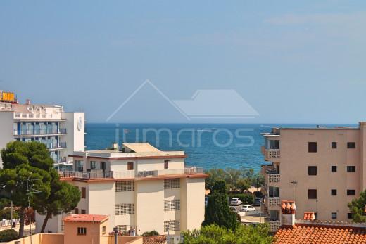 Apartamento vistas mar y montaña cerca de la playa con parking