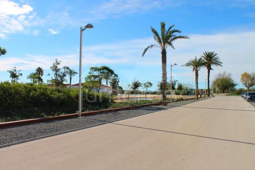 Duplex avec vue sur la mer et le canal