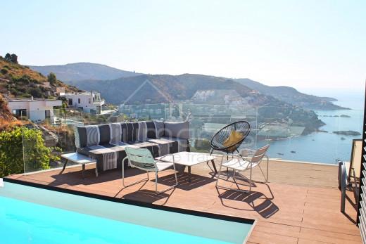 4 chambres, piscine avec vue mer et garage