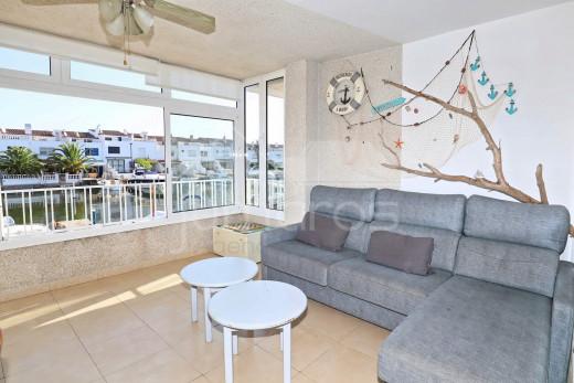 Appartement vue canal avec amarre en pleine propriété