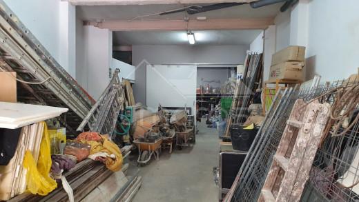 Local commercial ou garage de 150m2