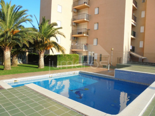 2 chambres, 60m2, piscine et parking
