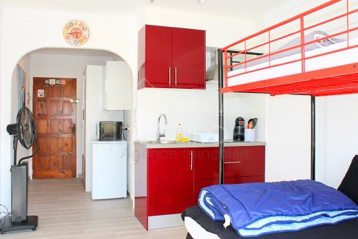Appartement meublé avec terrasse très proche plage