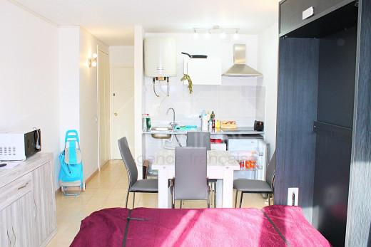 Appartement meublé avec terrasse couverte sur Empuriabrava