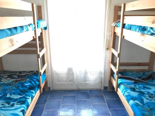 2 chambres, parking, plage à 250m, terrasse 34m2