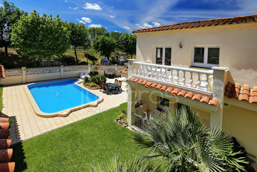 Maison avec piscine à 200m de la plage.