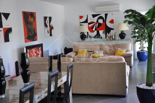 Superbe villa avec piscine, 4 chambres à Empuriabrava