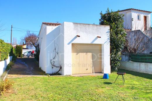 Maison de plain-pied avec 2 chambres et garage fermé