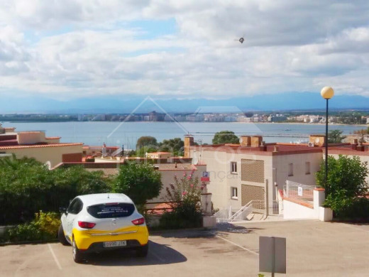 Appartement vue mer, parking et proche du centre ville