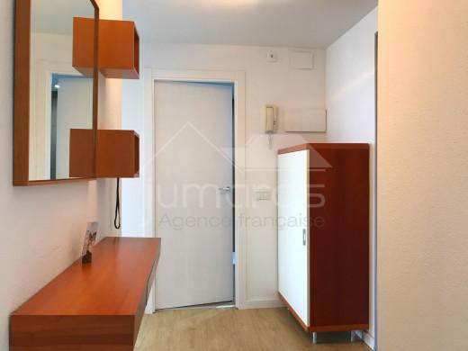 Rénové, 2 chambres, 94m2 terrasse, parking souterrain,  vue mer et piscine