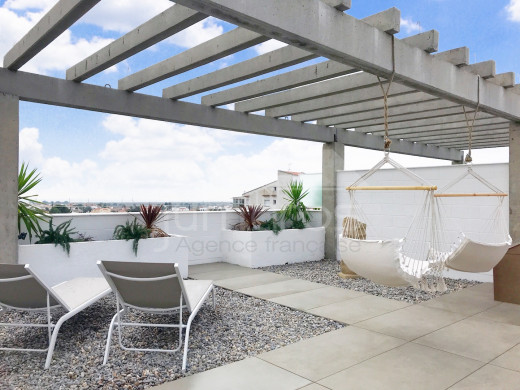 Vue mer, Rénové, 2 chambres, 94m2 terrasse, parking souterrain, piscine