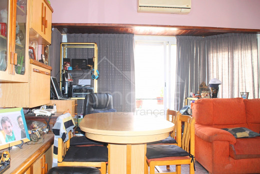 2 bedroom apartment in the center near the beach