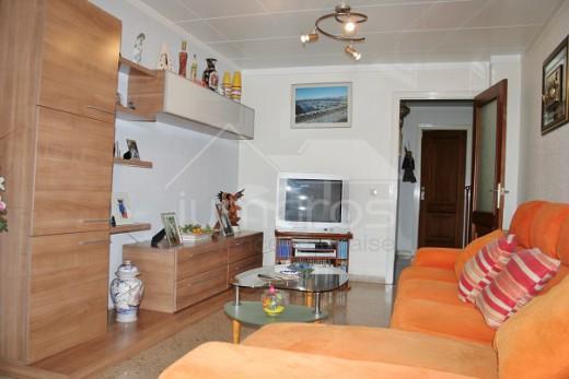Appartement spacieux à Roses centre-ville.