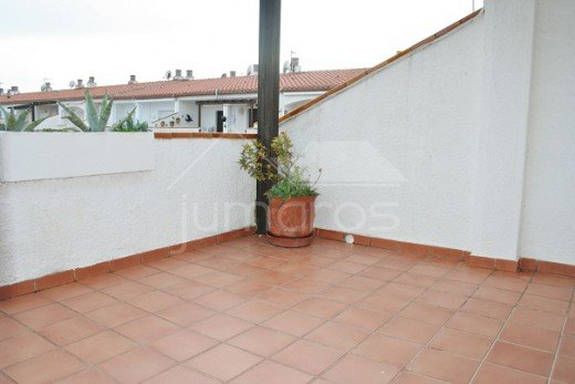 2 chambres 79m2, terrasse 25m2, parking