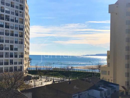 Joli studio situé en deuxième ligne de mer, terrasse vue mer