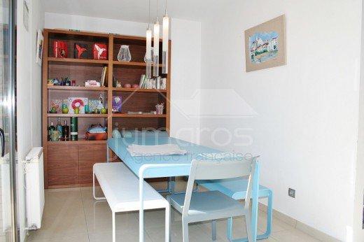 5 chambres, 240m2, garage privé, piscine communautaire