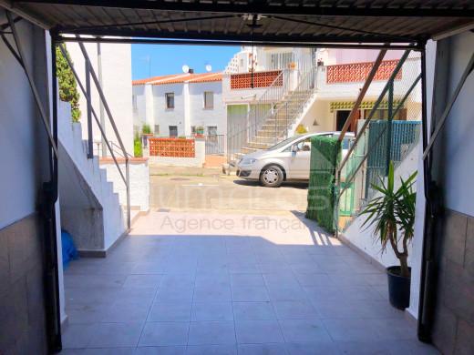 2 chambres, garage et parking, dans quartier calme