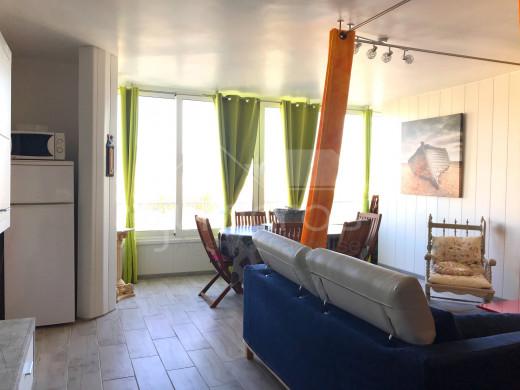 2 chambres, rénové, vue canal