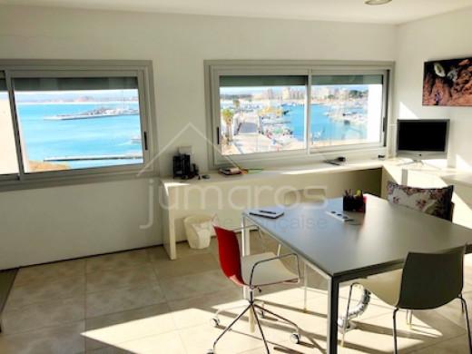 Grand duplex 5 chambres, magnifiques, parking privé