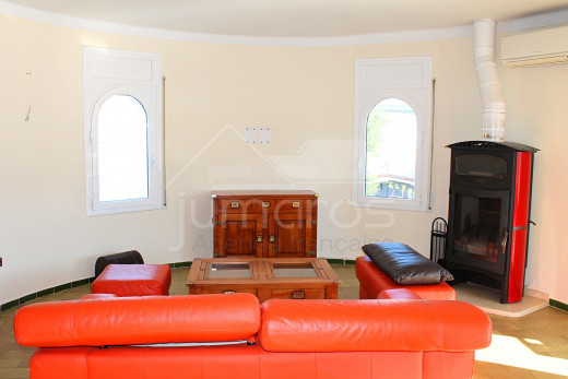 Grande maison avec amarre pour voilier, piscine et garage