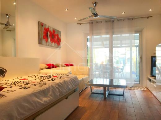 2 chambres, 83m2, jacuzzi, garage privé, amarre