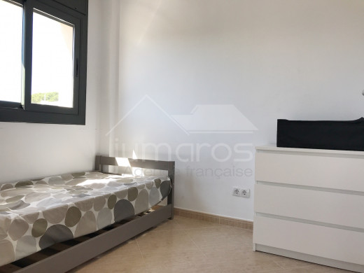 Bel appartement de 3 chambres avec terrasse