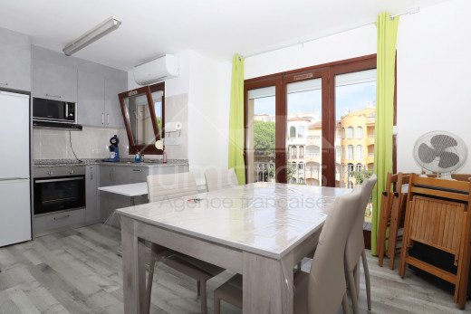 Renovated apartment with swimming pool, close to the beach