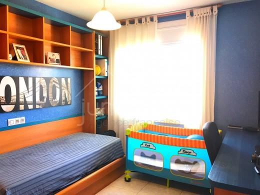 4 chambres, 125 m2, terrasse 35 m2, 2 parkings