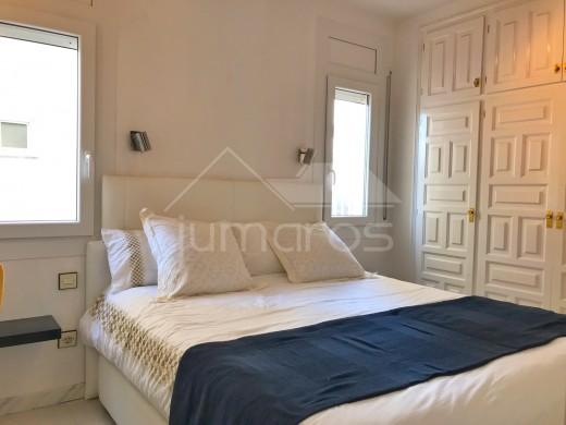 Très joli 2 chambres, centre empuria, vue canal