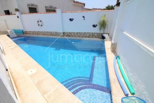3 chambres, 120m2, piscine