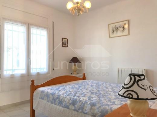 Maison individuelle située dans un quartier calme à Roses