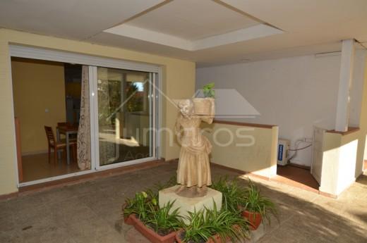 2 chambres, 67m2, rénové avec terrasse