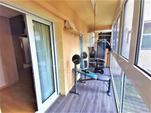 Grand appartement rénové avec 3 terrasses