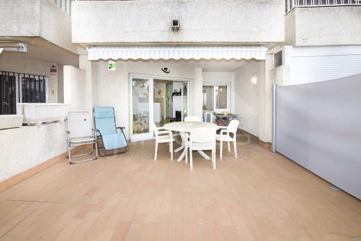 Appartement avec terrasse, solarium et parking privé