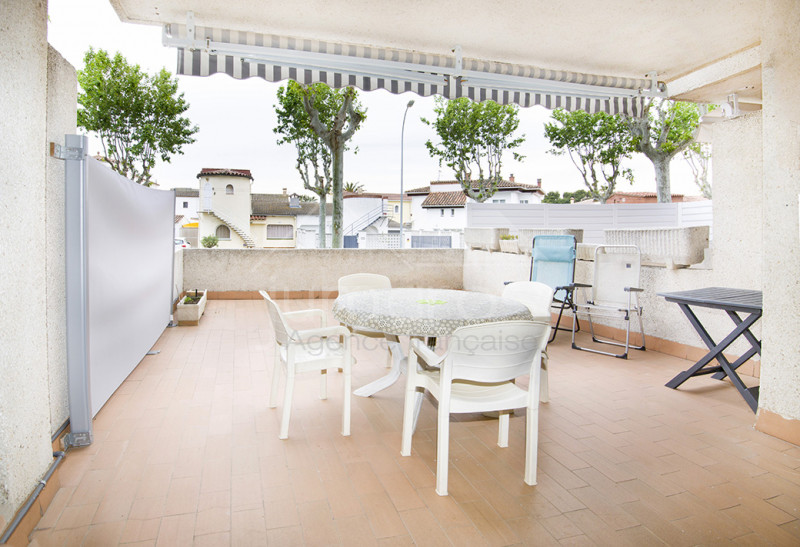 Apartment with terrace, solarium and private parking
